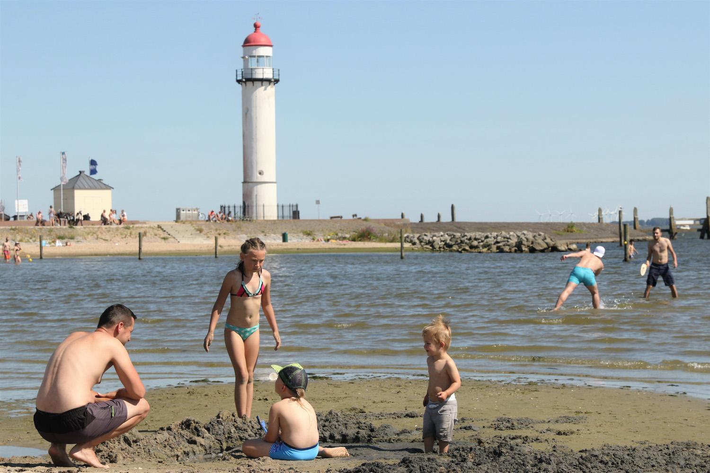 strand Hellevoetsluis Voorne-Putten nabij Rotterdam